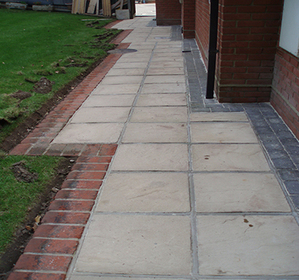 Driveway and Patio Cleaning Berkshire image